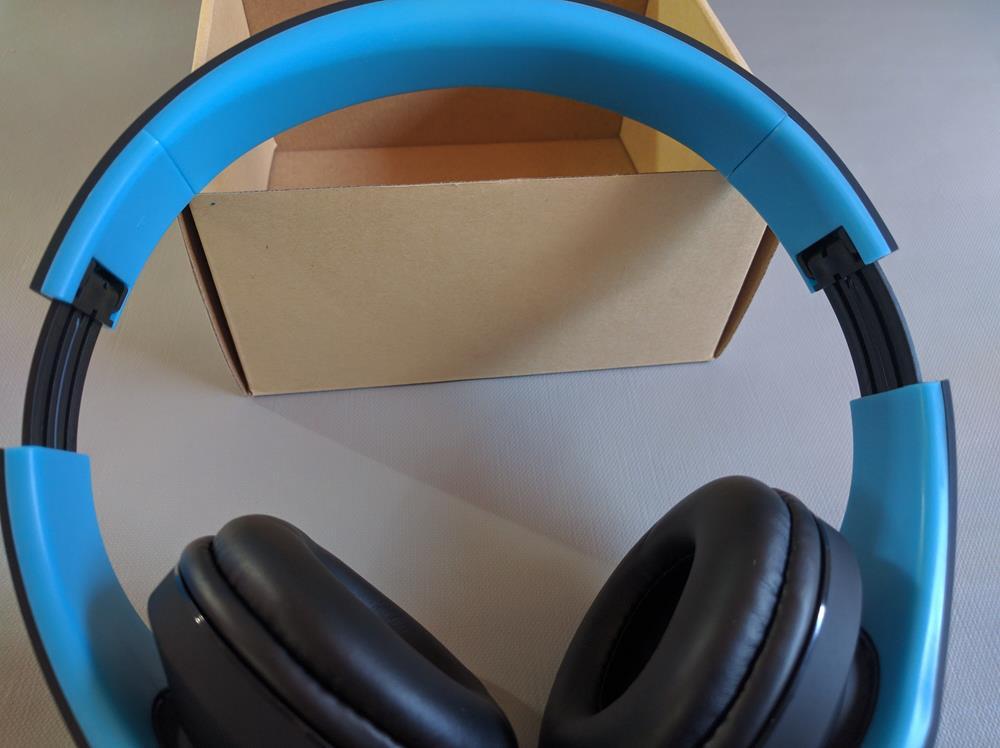 Cascos inalambricos azules (8)