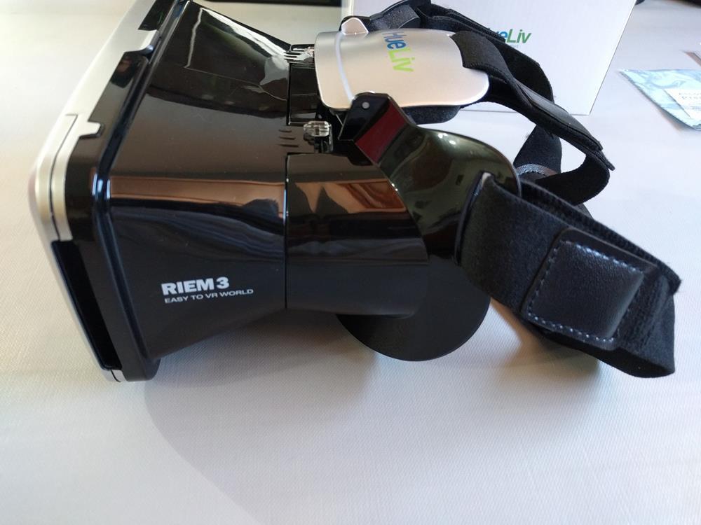 HueLiv RIEM 3 VR Headset (12)